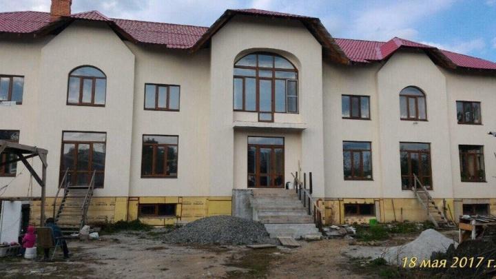 Екатеринбурженка решила через суд выселить 80-летнюю мать из дома, который они строили вместе
