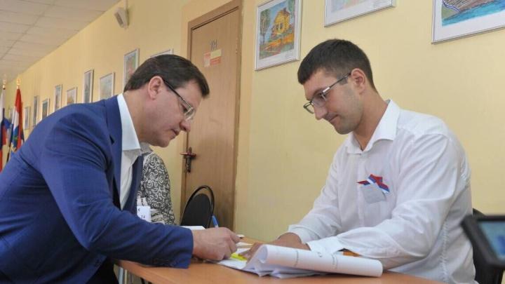 Экзитполы: в Самарской области на выборах лидируют Азаров и Хинштейн