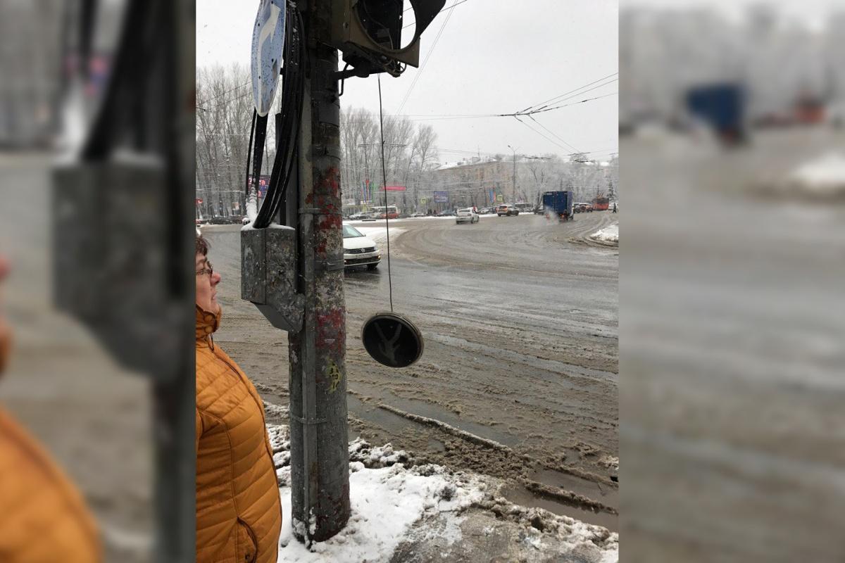 Транспортный коллапс вНижнем Новгороде: город встал вдесятибалльных пробках