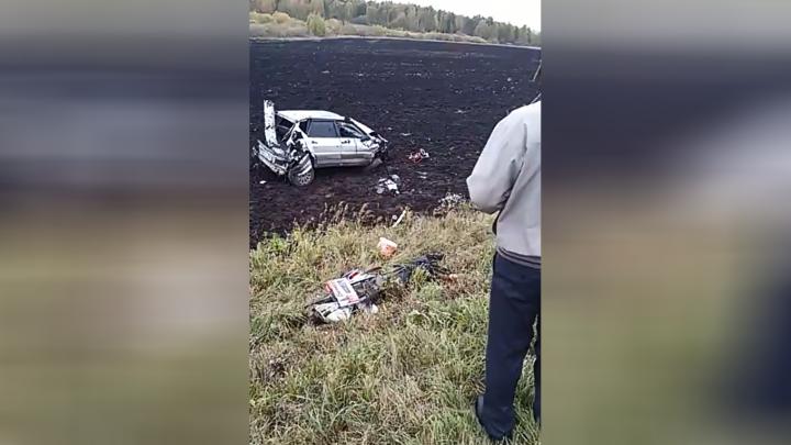 Машина кубарем слетела с дороги: в Башкирии произошло смертельное ДТП