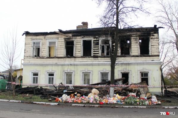 В страшном пожаре погибли 8 человек