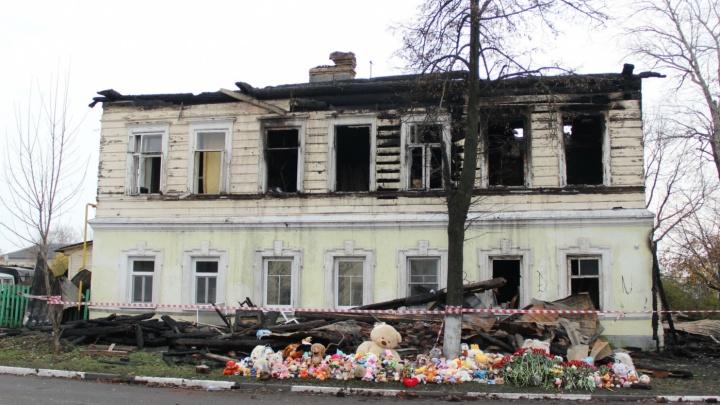 Количество жертв пожара в Ростове увеличилось до восьми: умерла женщина, выпрыгнувшая из дома