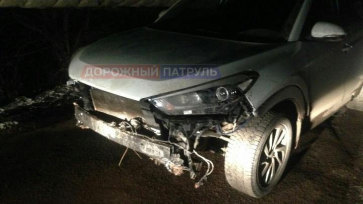 В башкирском селе задержали двух угонщиков, разбиравших машину