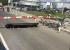 Машины встали в гигантской пробке на Сибирском тракте из-за сломавшегося ограждения на переезде