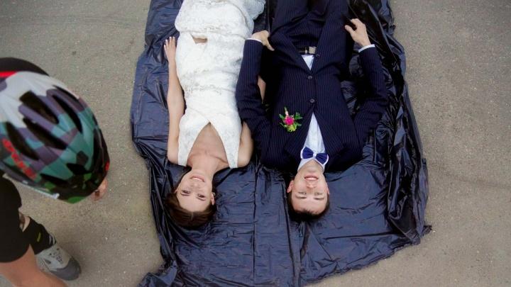 «Зачем баяны рвать?»: Почему ярославские девушки расхотели замуж