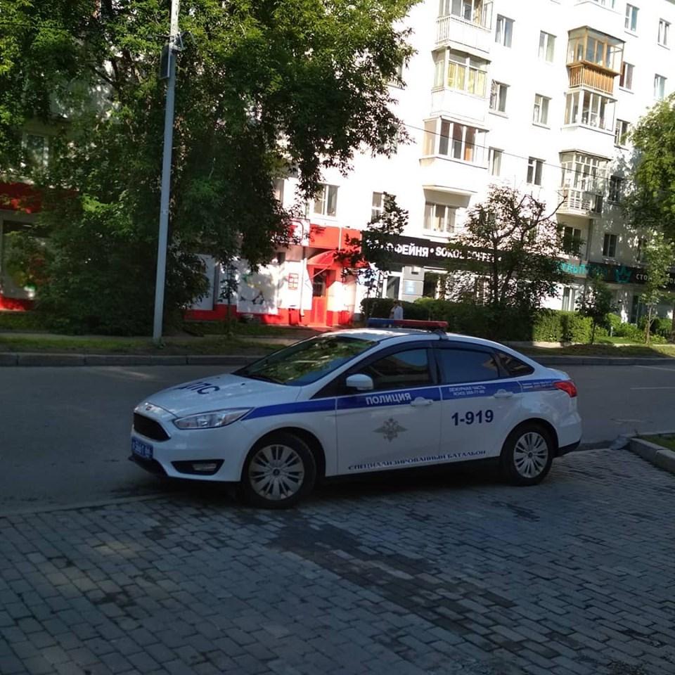 Пожалел птиц, покормил малыша и заставил горожан визжать от восторга: день Путина в Екатеринбурге