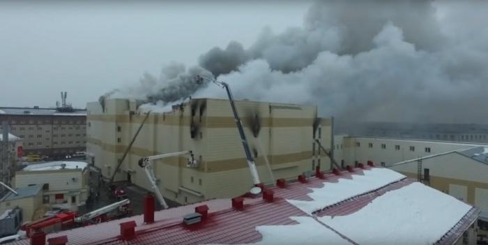 В страшном пожаре в Кемерово погибли 64 человека