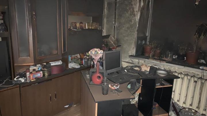 При пожаре в центре Уфы погибли два молодых парня