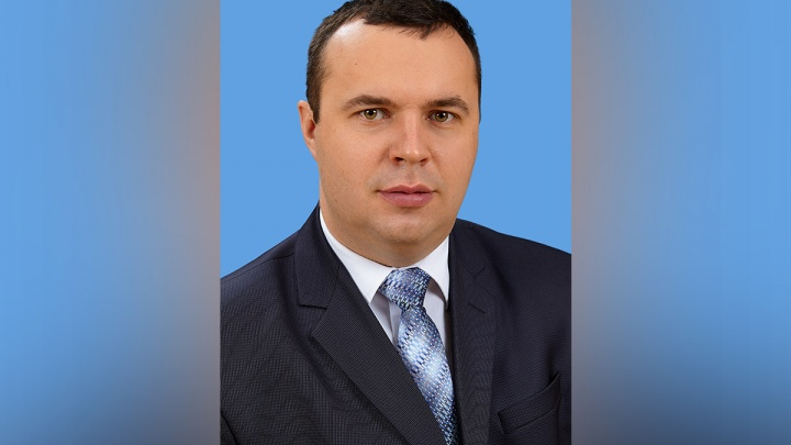 Директора красноярской школы признали одним из лучших в стране и подарили деньги