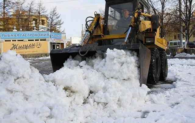 В Кургане усилят работу по вывозу снега с микрорайонов и городских дорог