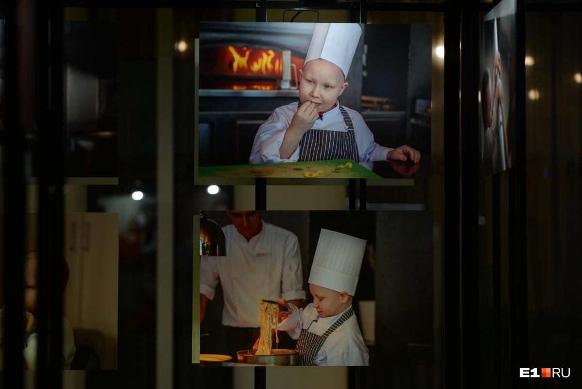 Малыши, которые рано повзрослели: в Ельцин-центре открылась фотовыставка про онкобольных детей