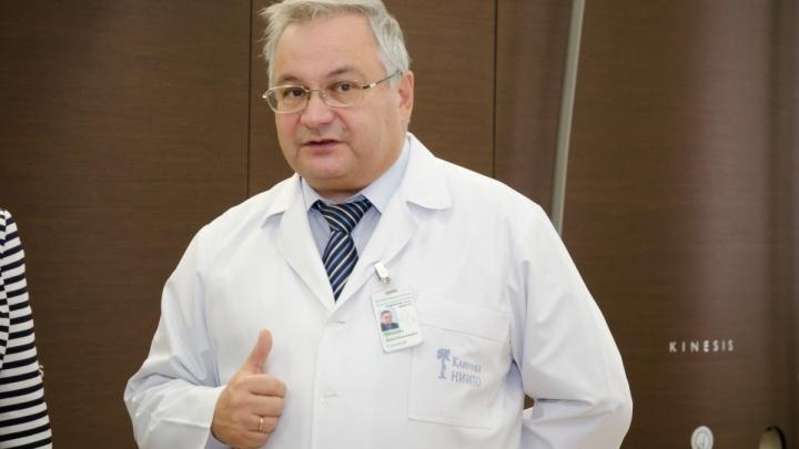 Правительство решило дать премию в два миллиона рублей арестованномуэкс-директору НИИТО