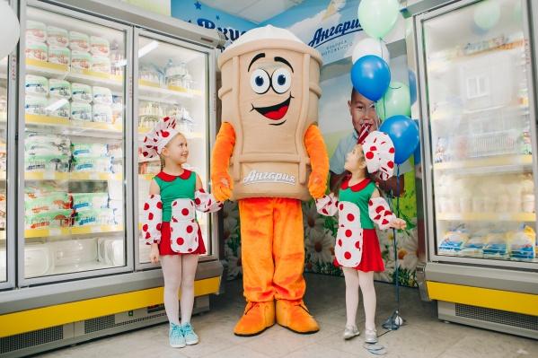 В Новосибирске восемь фирменных отделов «Ангарии»