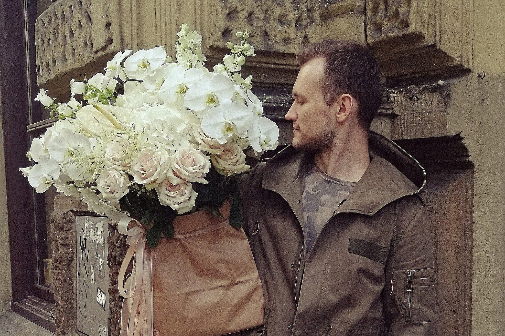 «Тут это не работает»: флорист переехал из Кольцово в Прагу — он назвал главные ошибки экспата