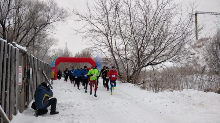 Сотня бесстрашных новосибирцев устроила экстремальный забег в мороз
