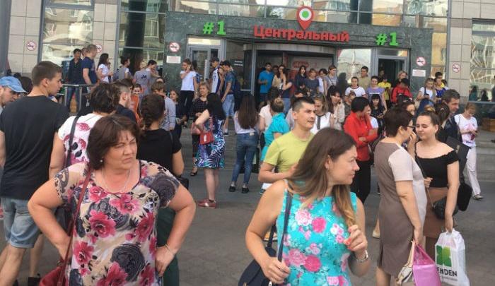Эвакуация в Уфе: в торговом центре сработала пожарная сигнализация