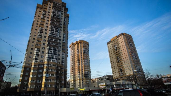 На перекрёстке Фрунзе и Ольги Жилиной достроили третью 25-этажную «свечку»