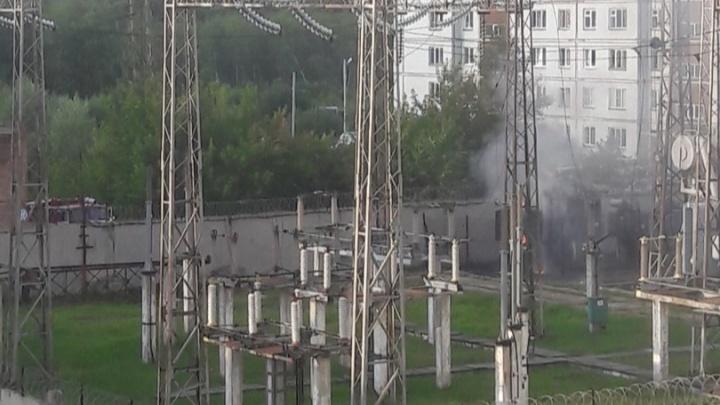 Пожар на подстанции на улице Вахтангова: часть домов осталась без света (видео)