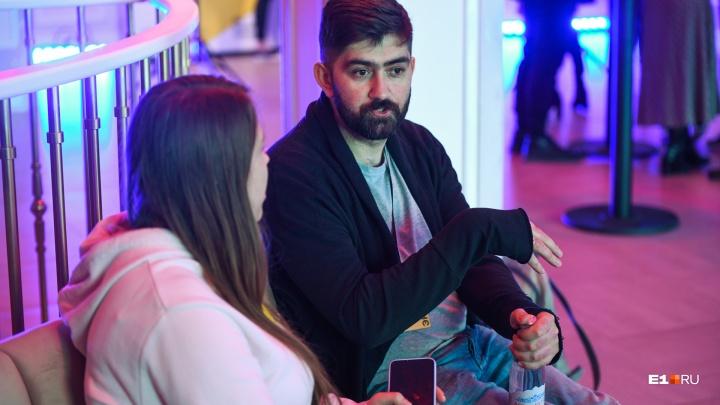 «Эти люди стремятся выходить в реальный мир»: эксперт — о том, как устроен киберспорт в России
