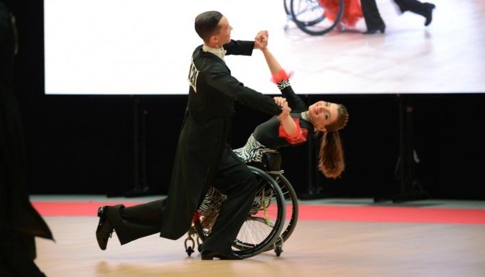 Омичи заняли второе место в чемпионате России по танцам на колясках