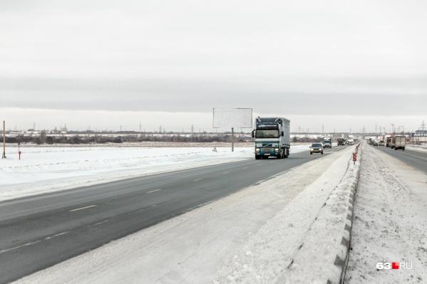Ограничения сняли и для водителей грузовых машин