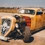 На чём ты ездишь: тюменец за 200 тысяч превратил «Москвич» 1954 года в машину из«Безумного Макса»