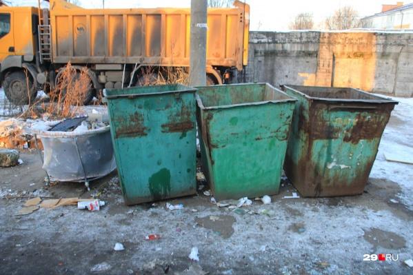 Отсутствие договора с 1 января от оплаты вывоза мусора не освободит<br>