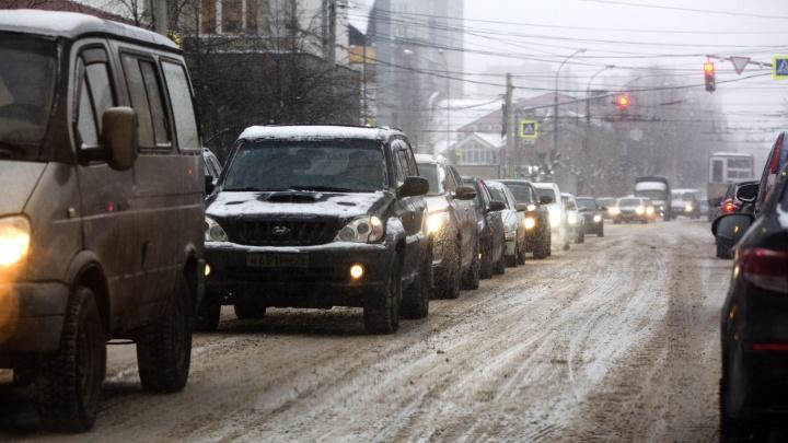 Водители устроят пробки на дорогах, протестуя против повышения цен на бензин