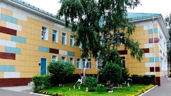 В омском горсовете решили принять детский сад на улице Валиханова в подарок от РЖД