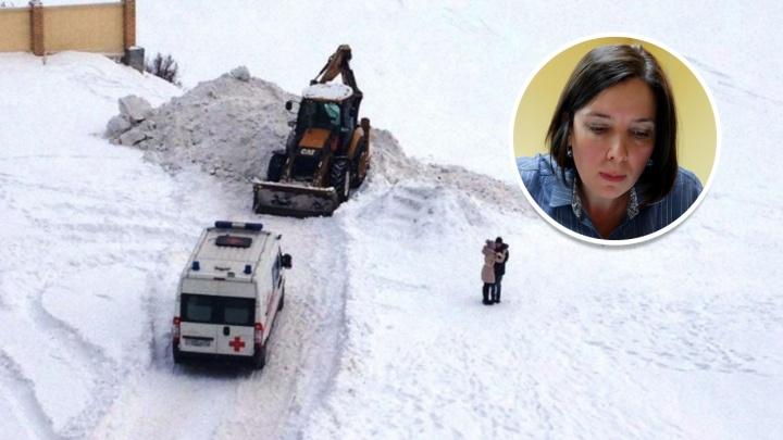 «Надеюсь, этот кошмар закончится»: директор УК, где девочку завалило снегом, считает себя невиновной