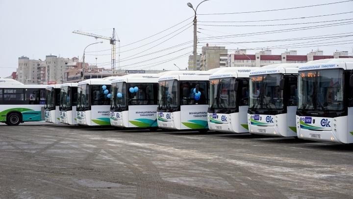 Федеральный минтранс предложил разработать проект, по которому в Омск привезут 1300 новых автобусов