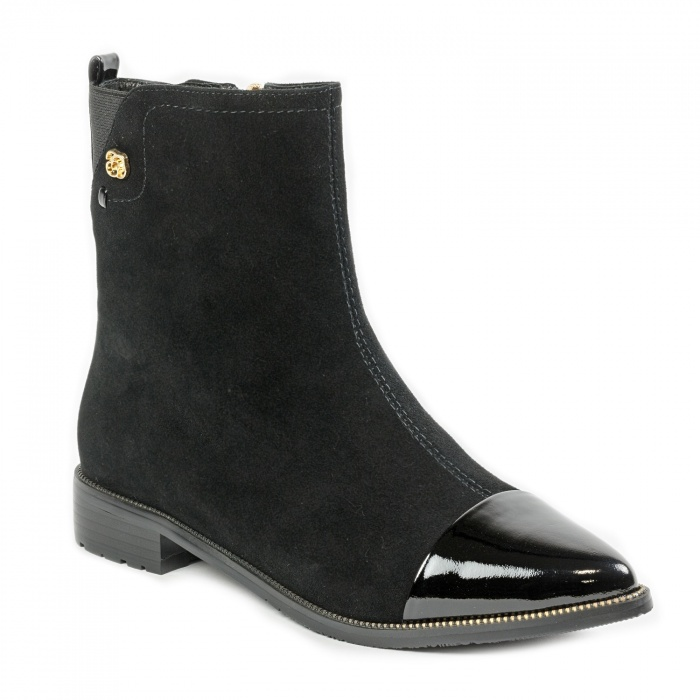 До конца ноября магазины фабрики «КОРС-К» будут продавать обувь со скидками