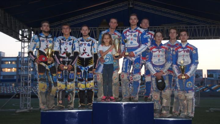Одна победа на двоих: гонщики из Тольятти выиграли Кубок России по спидвею среди пар