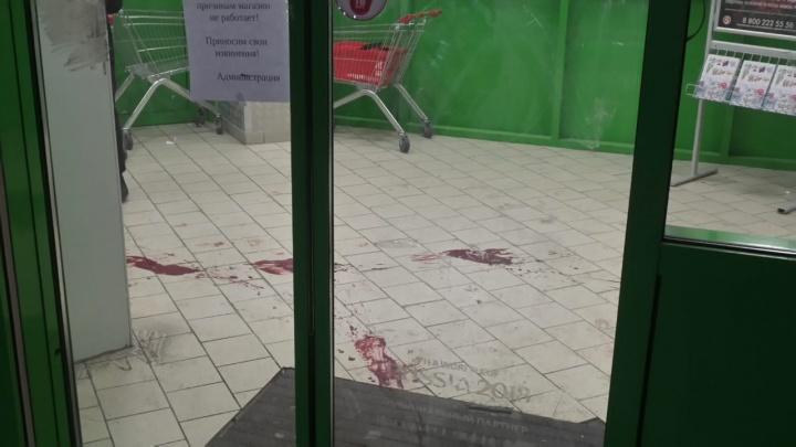 Владельцы «Пятерочки» опровергли причастность охранника к поножовщине возле магазина на Куйбышева