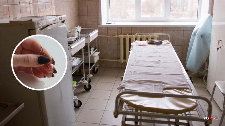 Зашили и забыли: в Ярославле мужчина четыре года после операции проходил с иголкой в животе
