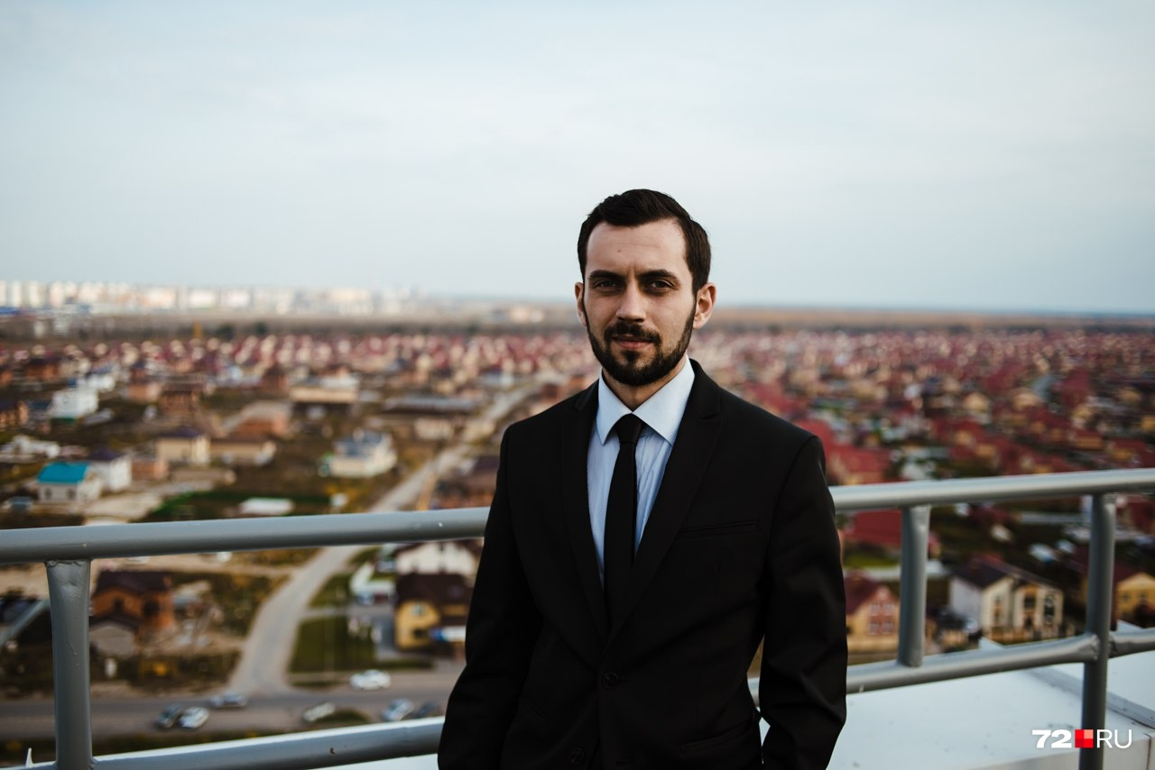 После дауншифтинга Вадим ушел с головой в строительную сферу. Ему пришлось совершенствоваться не только в пиаре, но и изучать урбанизм и то, как строятся многоэтажки