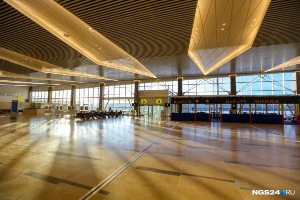 Блогеру понравился дизайн и масштаб красноярского аэропорта