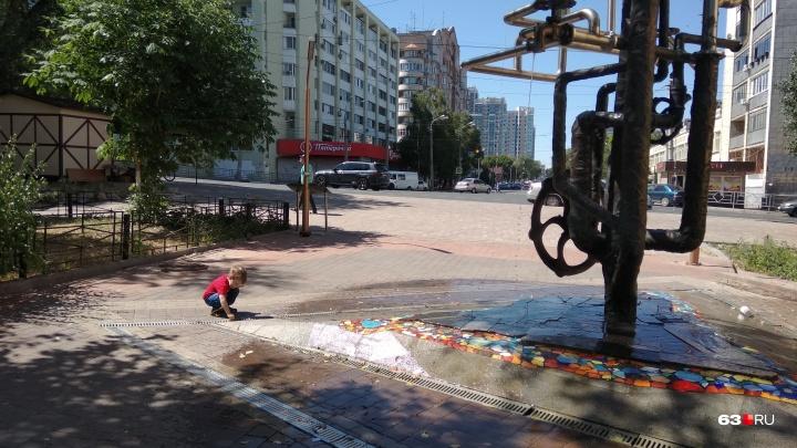 В Самаре на Галактионовской заработал фонтан — памятник водопроводу