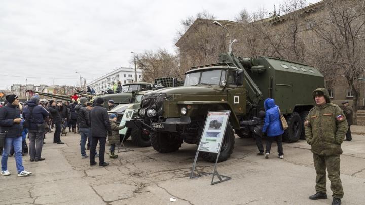 Уже перекрыли: центр Волгограда готовят к празднику «Слава русского оружия»