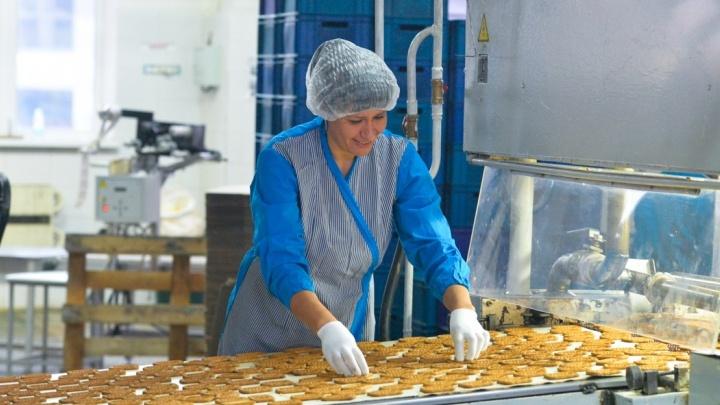 """Репортаж со вкусом детства: как готовят любимые уральские сладости на фабрике """"Конфи"""""""