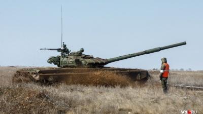 Большая армейская игра: мощные Т-72Б3 соревнуются в ювелирной работе под Волгоградом
