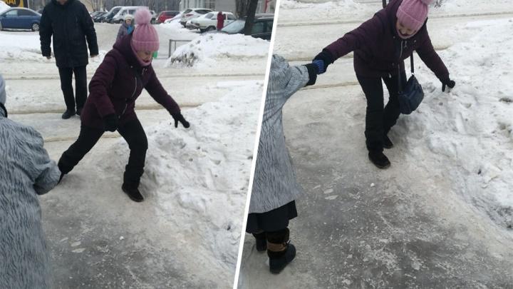 Фигурное катание на тротуаре: в Уфе коммунальщики устроили жителям полосу препятствия
