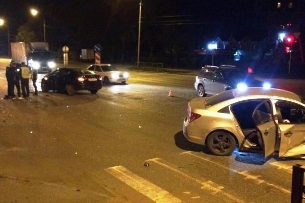 ДТП произошло на перекрёстке Немировича-Данченко и Римского-Корсакова