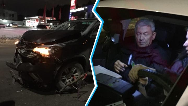 Замдиректора тюменской стройкомпании попался пьяным за рулем, собрав «паровозик»