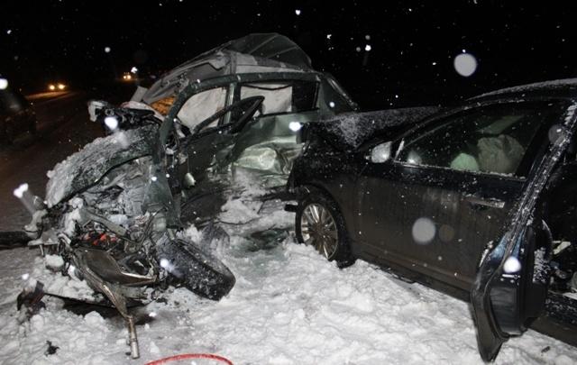 На Челябинском тракте в ДТП с тремя иномарками погибли два человека