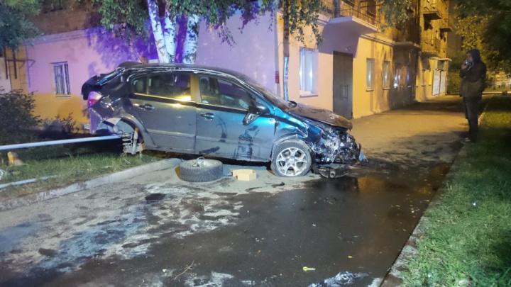 «Машину отбросило на 30 метров в сторону»: на Гурзуфской Chevrolet протаранил Opel