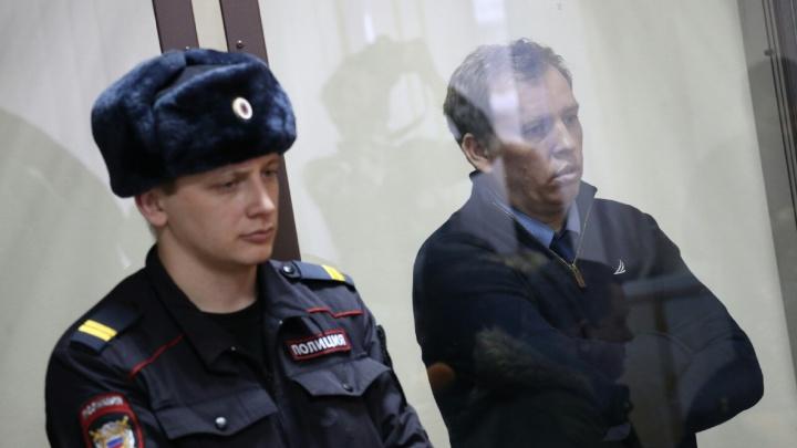 Встретит праздник за решёткой: суд отложил вопрос об аресте экс-омбудсмена Алексея Севастьянова