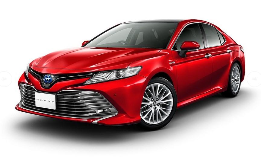 Toyota показала новую Camry с правым рулем (фото)