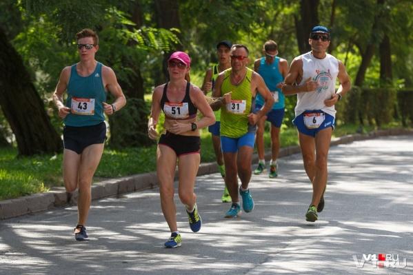 С волгоградцами побегут олимпийские чемпионы