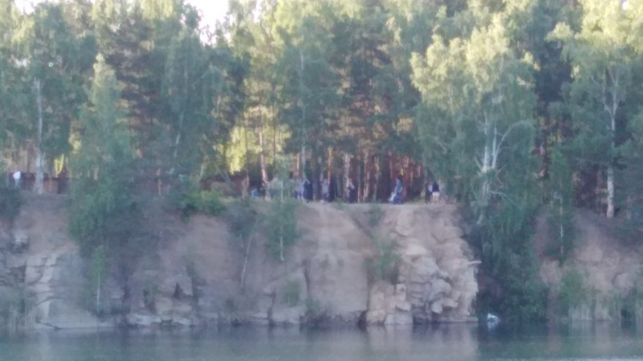 Двое юношей за день утонули в челябинских карьерах
